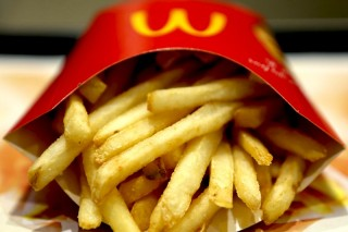 Patate fritte con 19 ingredienti: volevate saperlo voi clienti di McDonald's ?