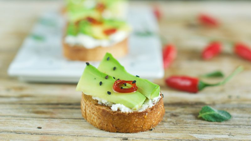 crostini-con-avocado
