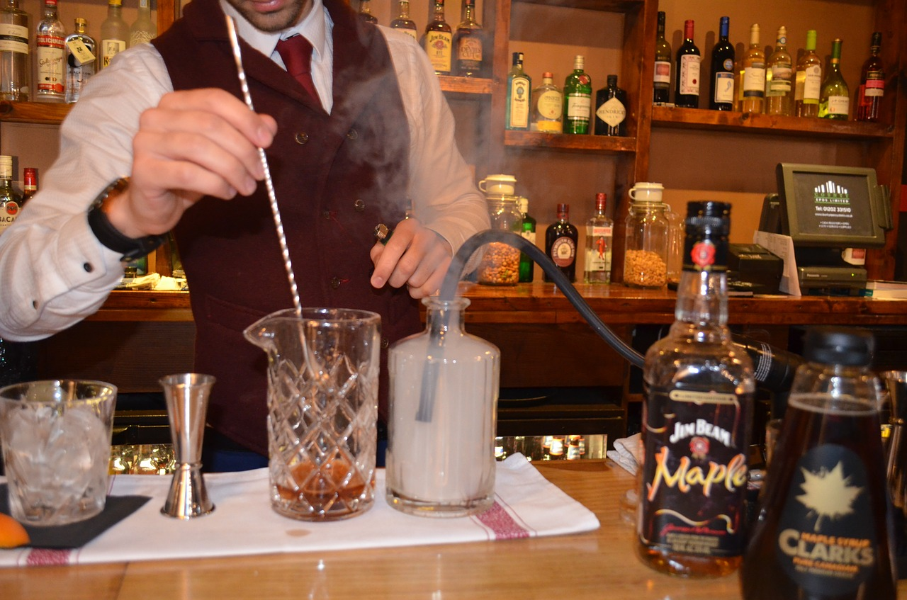 Mixology; bar spoon