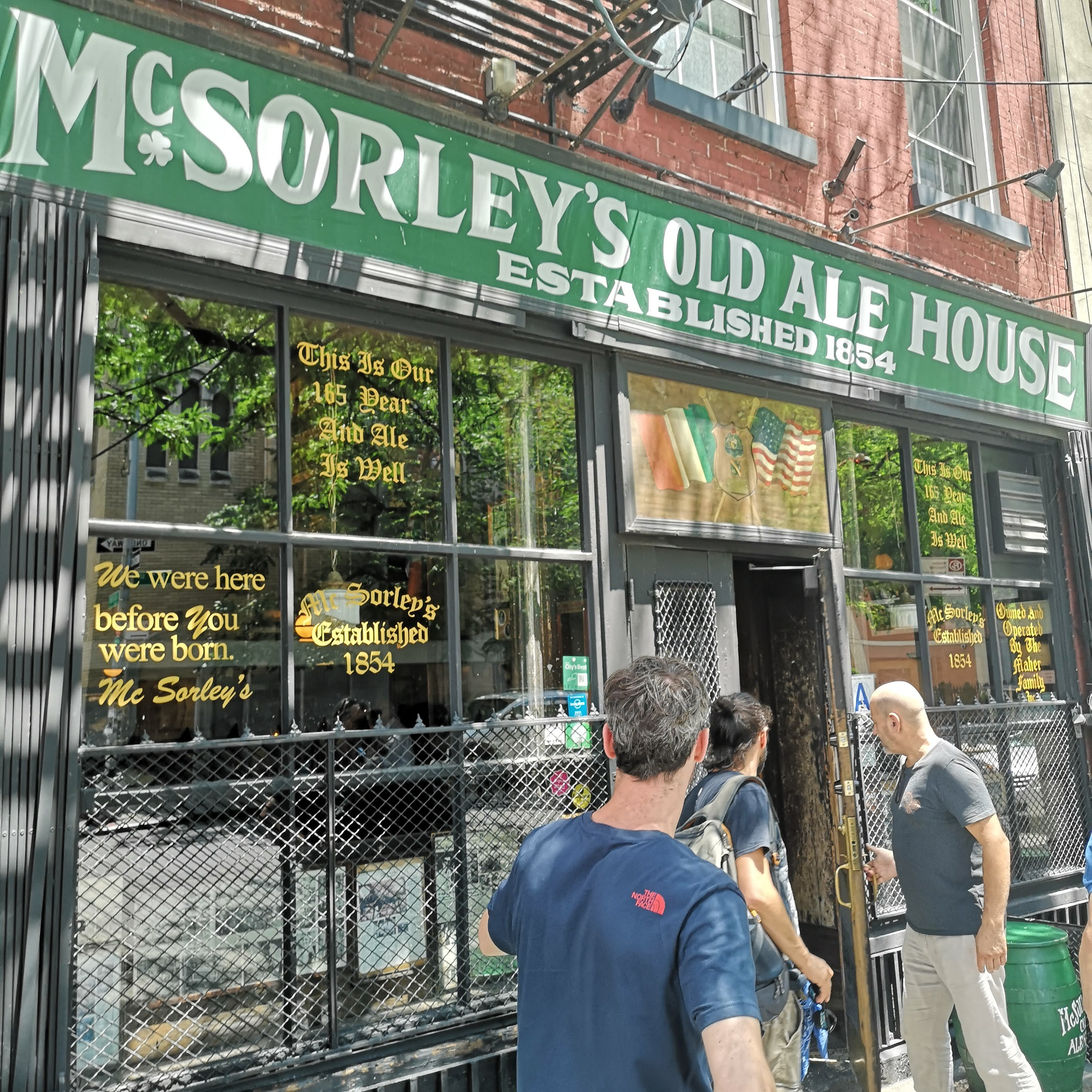Birra_new_york_city_mc_sorleys_old_ale_house_facciata