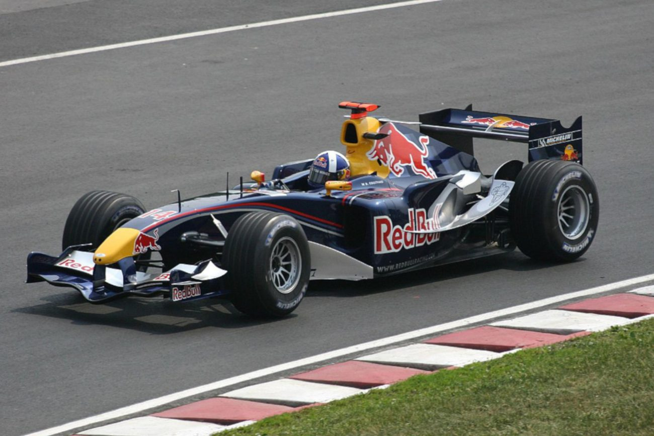 redbull formula 1 CC BY-SA 2.0, https://commons.wikimedia.org/w/index.php?curid=252391