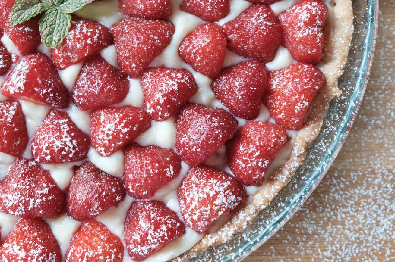 crostata con yogurt e fragole
