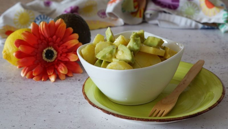 insalata di patate e avocado alla messicana