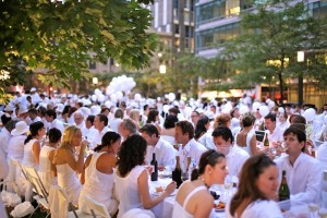 Diner en blanc, parigi, flash mob